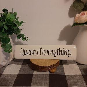 """Ceramic desk sign """"Queen"""""""